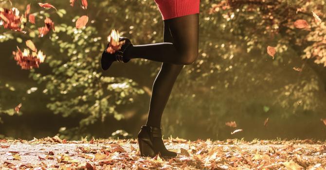 Comment associer vos collants à la bonne paire de chaussure en automne