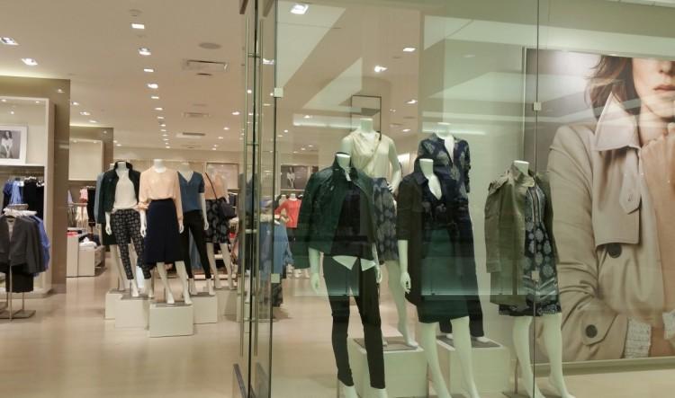 shopping-clothes-fashion