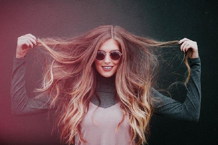 woman-cheveux