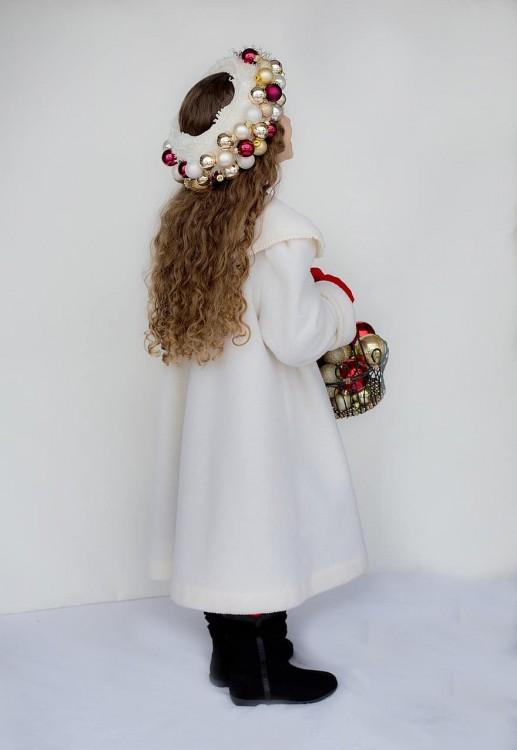 little-girl-winter-